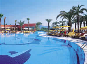Fantasia De Luxe Hotel swimming pool